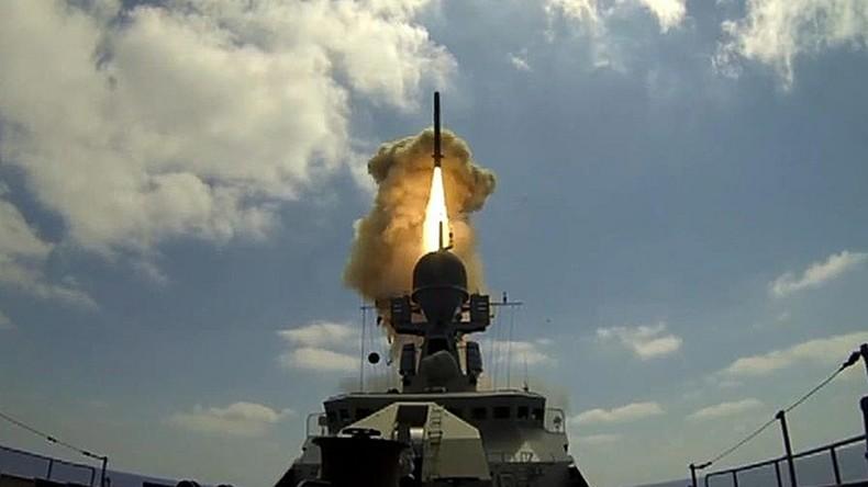 """Syrien: Russische Marine feuert Marschflugkörper auf den """"Islamischen Staat"""""""