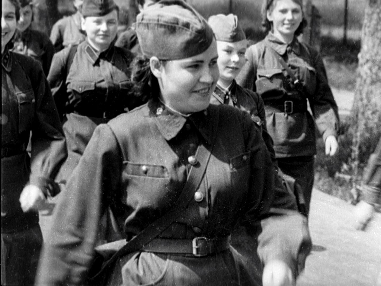 Die Tasche mit Medikamenten und Verbandszeug war das wichtigste Werkzeug der Sanitäterinnen, die sich an vorderster Frontlinie befanden.