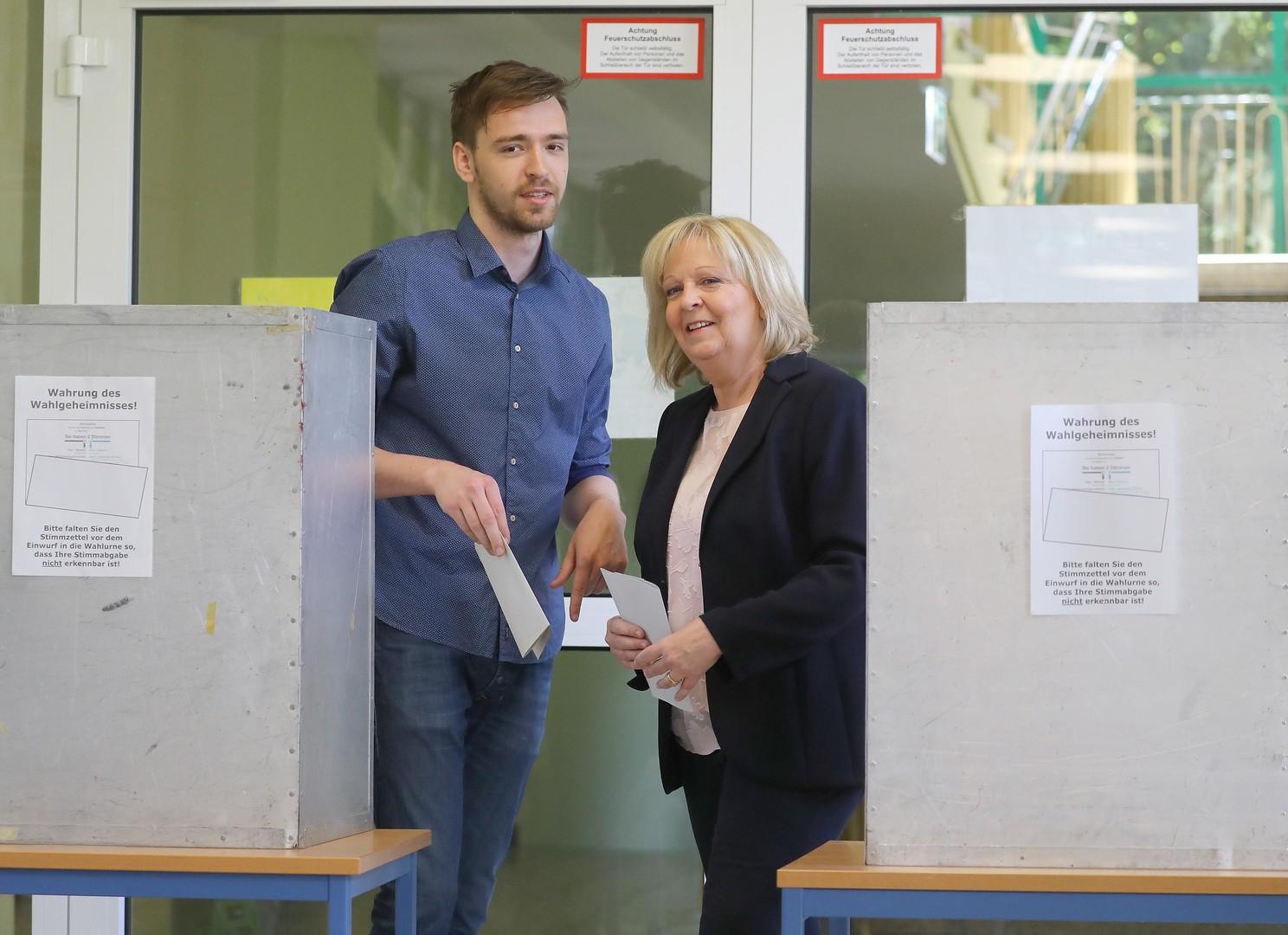 Live-Updates zur NRW-Wahl: CDU siegt, FDP zweistellig, starke Verluste für Rot-Grün, Linke bei 4,9 %