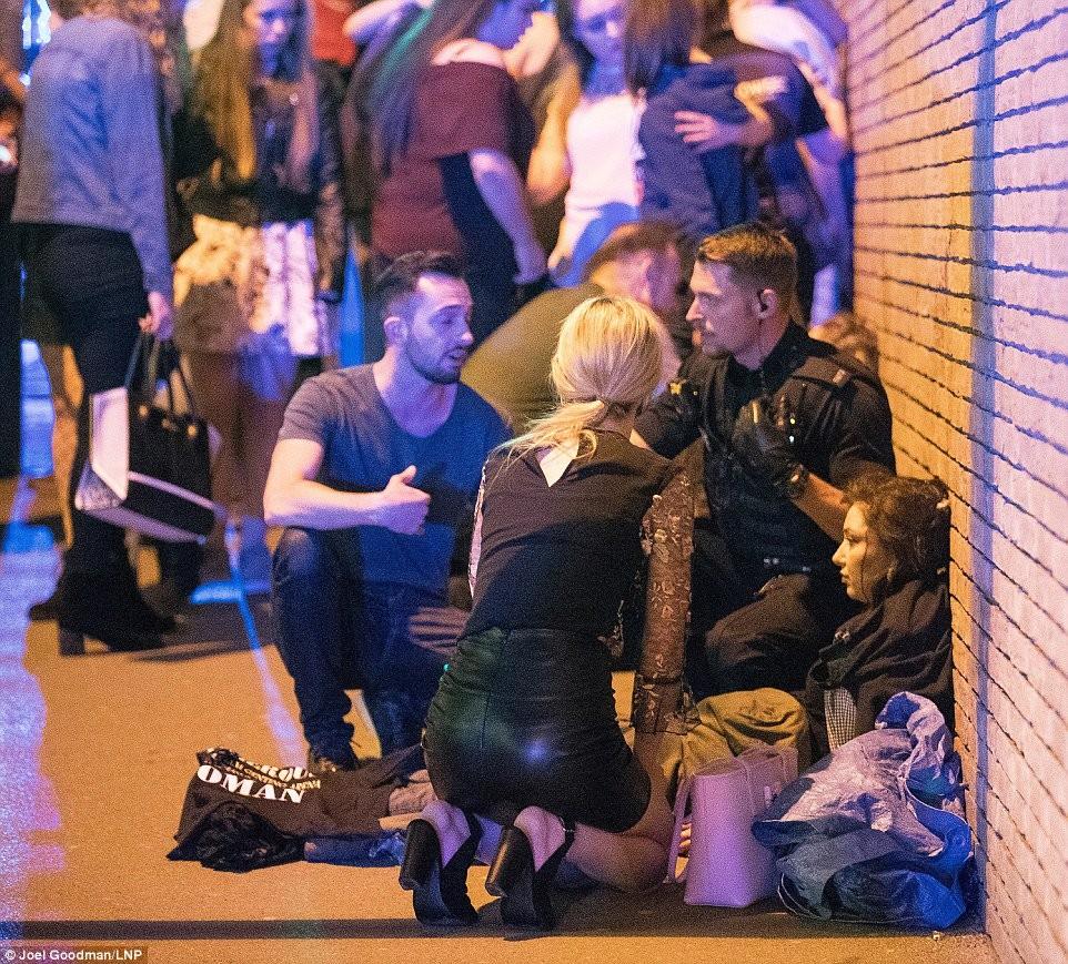 Bilder und Augenzeugenberichte nach der Explosion in Manchester