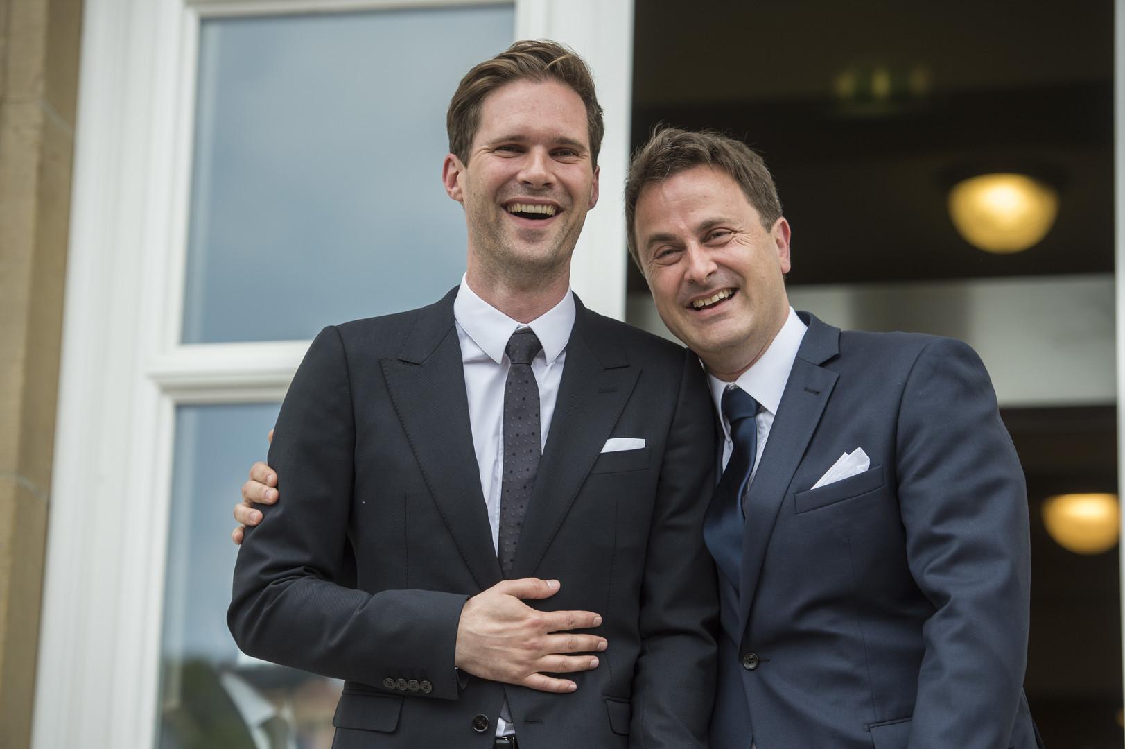 Erster First Gentleman bei NATO-Feier – Premier von Luxemburg kommt mit seinem Mann (FOTOS)