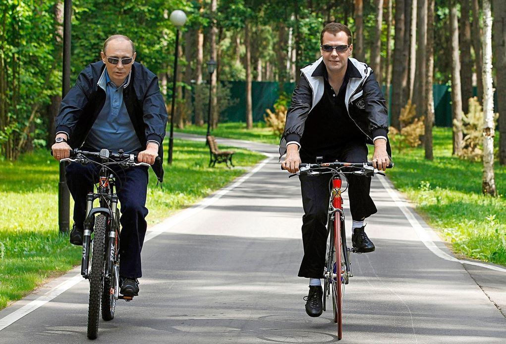 Russlands Präsident Wladimir Putin und Premierminister Dmitri Medwedew