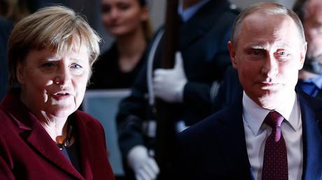 Die deutsche Kanzlerin und Wladimir Putin vor den letzten Gesprächen über den Bürgerkrieg in der Ukraine in Berlin, 19. Oktober 2016.