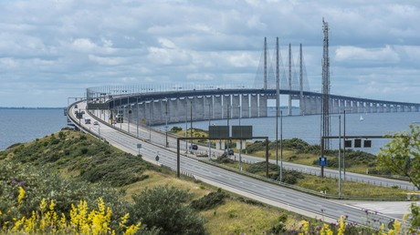 Schweden verschärft allgemeine Grenzkontrollen und hebt Passkontrollen an Grenze zu Dänemark auf