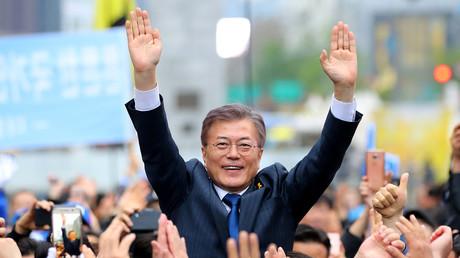 Der Präsidentschaftskandidat Moon Jae-in von der Demokratischen Partei auf einer Wahlkampfveranstaltung in Seoul, Südkorea, 17. April 2017.