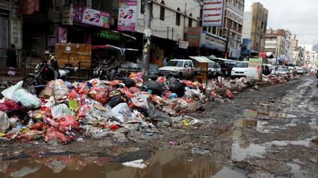Müllberge in den Straßen Sanaa´s; Jemen, 8. Mai 2017.