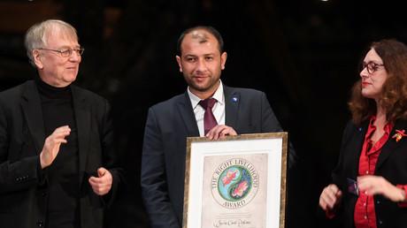 Von Al-Kaida gelobt und im Westen mit Preisen überhäuft: Weißhelm-Chef Raed al-Saleh bei der Entgegennahme des Right Livelihood Awards in Stockholm.