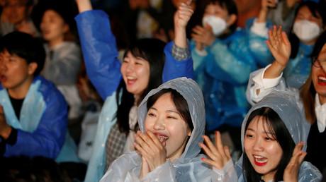 Unterstützer Moon Jae-ins bei der Verkündung der Wahlergebnisse, Seoul; Südkorea, 9. Mai 2017.