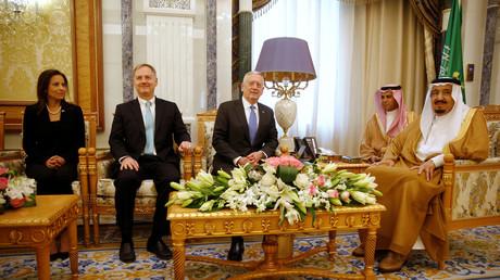 Am April 19. 2017 traf König Salman bin Abdulaziz Al-Saud bereits den US-Verteidigungsminister James Mattis, die stellvertretende Sicherheitsberaterin im Weißen Haus, Dina Powell und den Diplomaten Christopher Henzel