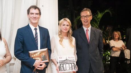 Der deutsche Botschafter in Argentinien, Bernhard Graf von Waldersee (r.), der neue