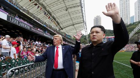 Imitationen von Trump und Kim Jong-un während eines Rugby Spiels im Hong Kong-Stadium; China, 8. April 2017.