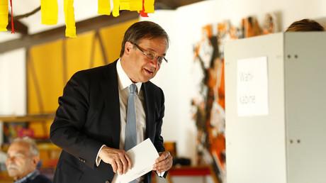 CDU-Spitzenkandidat Armin Laschet bei der Abgabe seines Stimmzettels zur NRW-Landtagswahl am 14. Mai 2017.