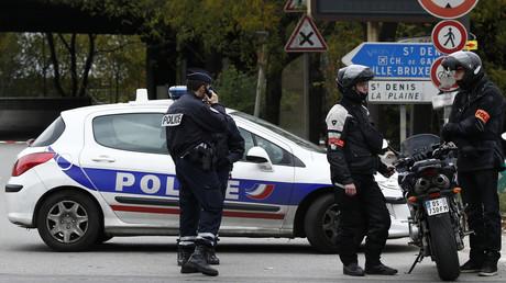 Symbolbild: Französische Polizisten auf dem Boulevard Peripherique am EIngang zum Stadtteil La Chapelle in Paris, 30. November 2015.