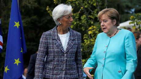 Sichtlich ungehalten: Die deutsche Bundeskanzlerin Angela Merkel im Gespräch mit IWF-Chefin Christine Lagarde, Italien, 27. Mai 2017.