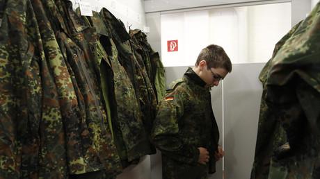 Junger Soldat der Bundesweh in Aachen; Deutschland, 5. Januar 2011.