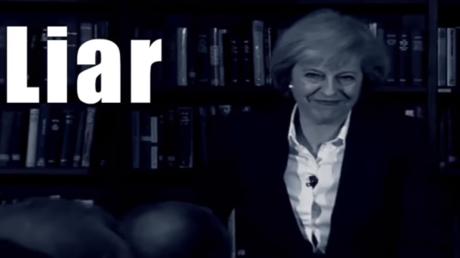 Eine Woche vor der Parlamentswahl ist der Vorsprung der regierenden Konservativen vor der Labour-Partei stark geschrumpft. Die Tories von Premierministerin Theresa May liegen nach einer am Sonntag veröffentlichten Umfrage des britischen ORB-Instituts nur noch sechs Prozentpunkte vor Labour.