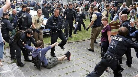 Polizeieinsatz in Nürnberg nach einer versuchten Abschiebung.