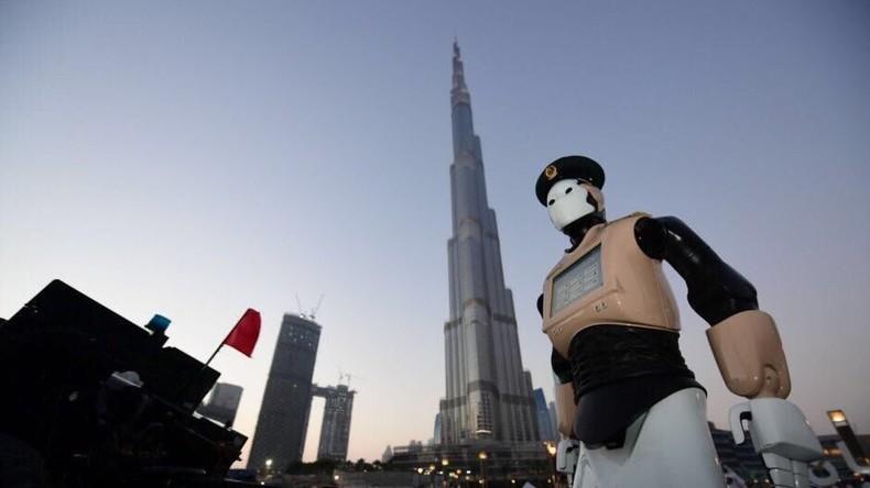 RoboCop wird Wirklichkeit: Dubai setzt Roboter im Polizeidienst ein