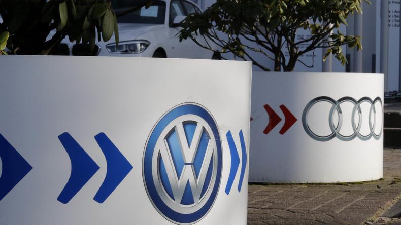 Bundesverkehrsminister Dobrindt: Audi hat illegale Abgas-Software verwendet