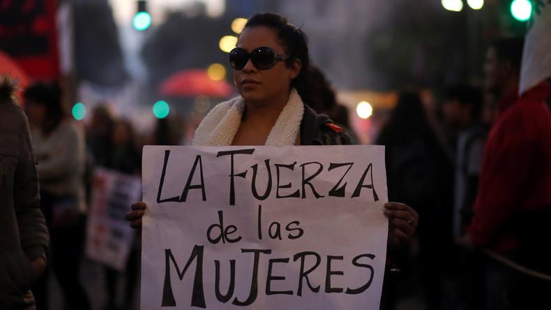Tausende protestieren gegen Gewalt gegen Frauen in Argentinien