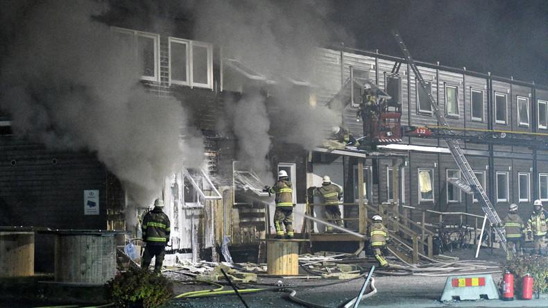 Flüchtlingsheim in Schweden brennt nieder – Polizei schließt Brandstiftung nicht aus