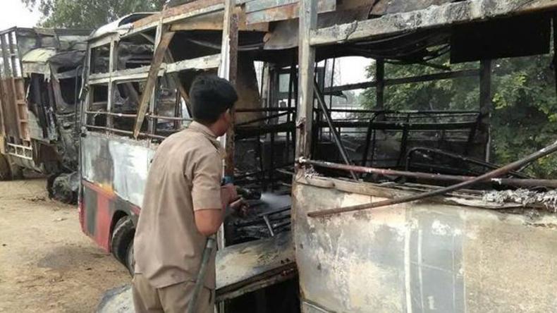 Unfall mit Reisebus in Indien - 22 Menschen getötet