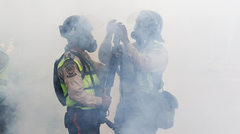 """Venezolanische Polizei stoppt """"Hungermarsch"""" mit Tränengas"""
