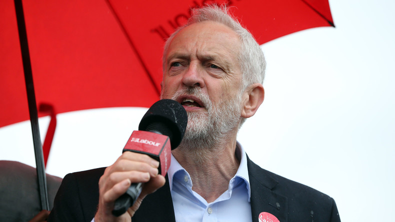 Labour-Chef Corbyn fordert May zum Rücktritt auf