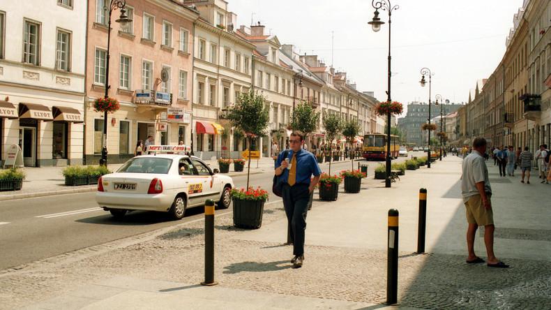 Tausende Taxifahrer streiken in Warschau gegen Fahrdienstvermittler
