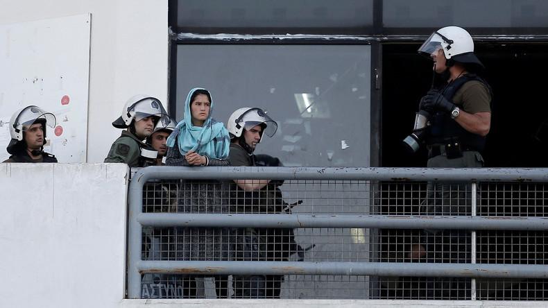 EU-Staaten schieben 66 Pakistaner in ihr Heimatland ab