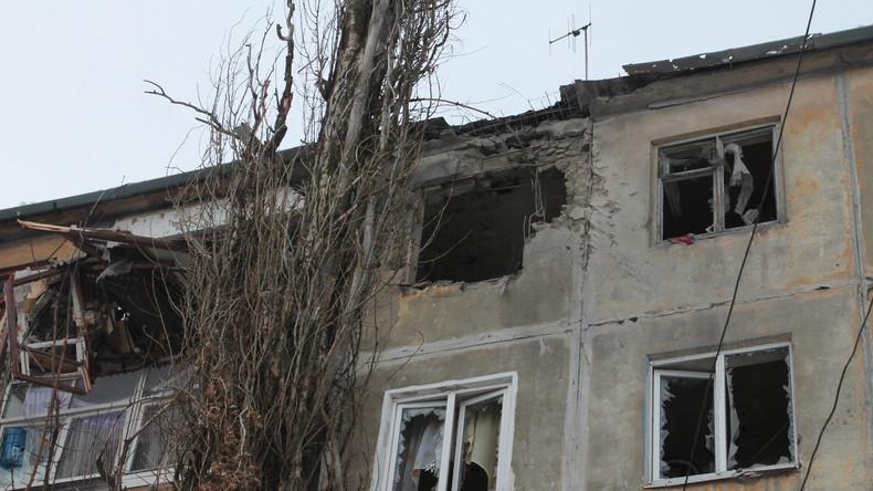 Merkel und das ZDF verschweigen Krieg gegen Zivilisten im Donbass – RT Deutsch war vor Ort