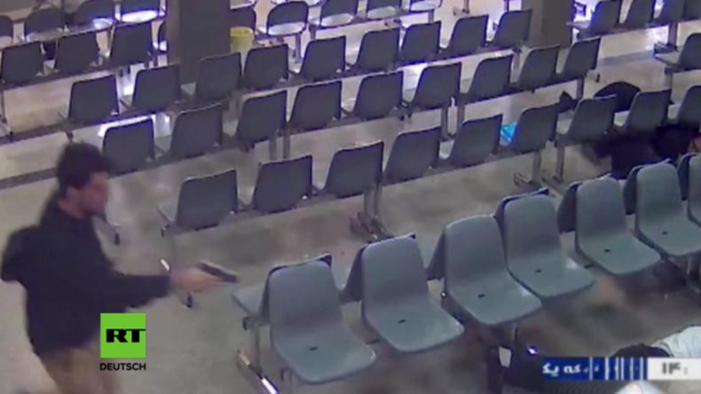 Video zeigt Erstürmung des iranischen Parlaments durch IS-Terroristen