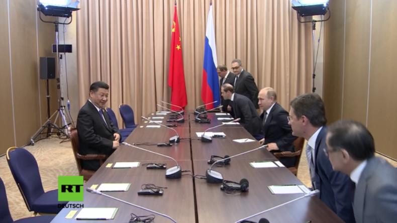 """""""Der einsame Krieger"""" – Putin scherzt über Xi Jinping"""