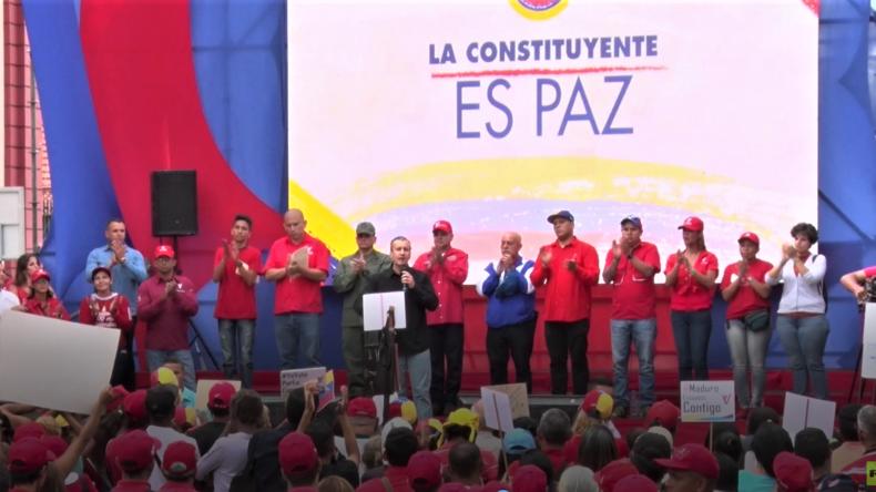 Friedliche Gegenproteste in Venezuela: Kundgebung vor Verfassungsgebender Versammlung