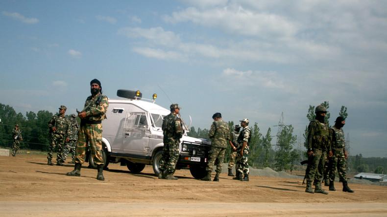 Indische Militärs töten 13 Kämpfer in Kaschmir