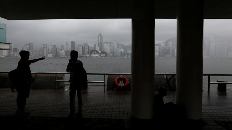 Taifun an Südchinas Küste legt Flugverkehr lahm