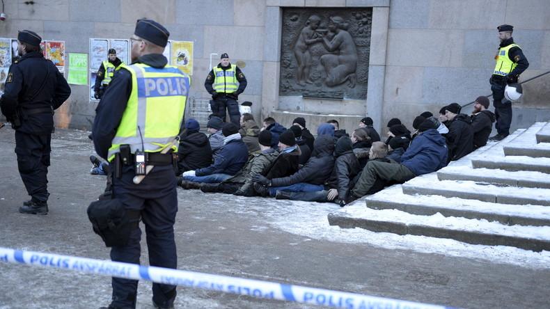 Schweden: Rechtsextremer gesteht Attentatsversuch mit Auto auf Flüchtlingsdemonstration