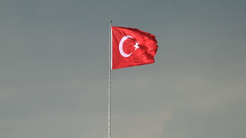 Protestmarsch von Ankara nach Istanbul gegen Verurteilung des türkischen Abgeordneten