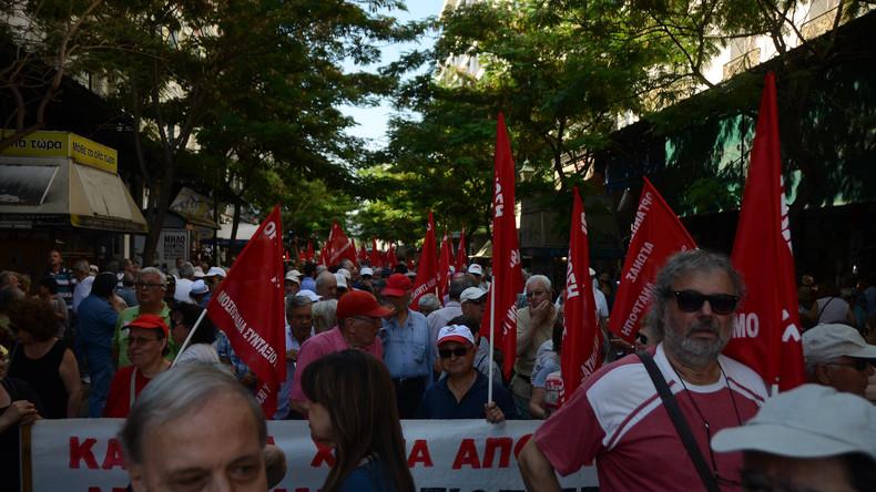Griechische Rentner protestieren gegen neue Rentenkürzungen