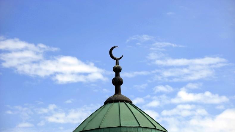 Liberale Moschee in Berlin eröffnet - Frauen als Predigerinnen