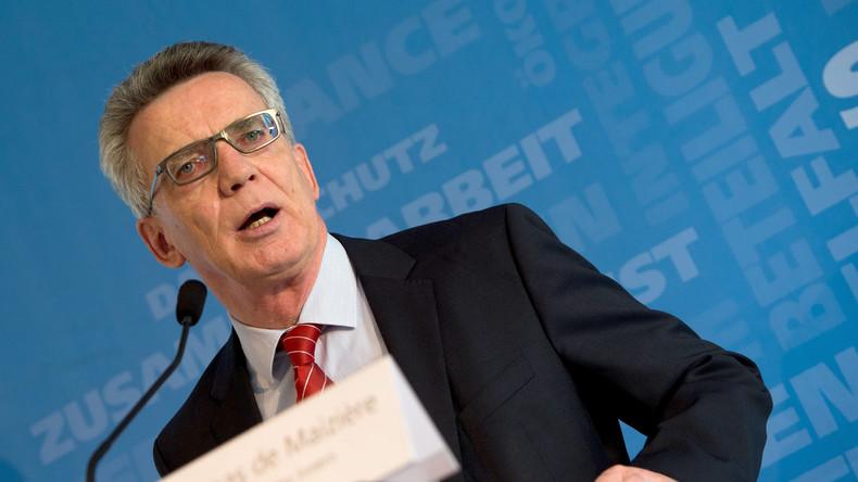 De Maizière: Ausreisepflicht stärker durchsetzen