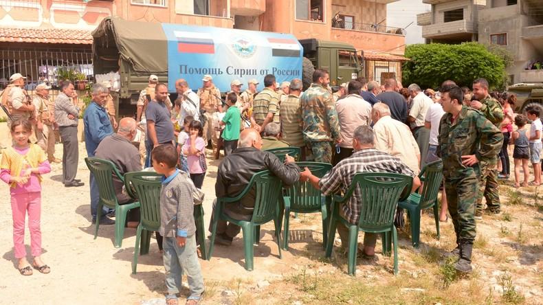 Russische Armeeangehörige erweisen humanitäre und ärztliche Hilfe in Syrien
