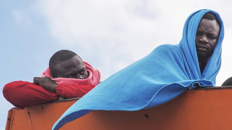 Mehr als 2.500 Migranten aus Seenot gerettet