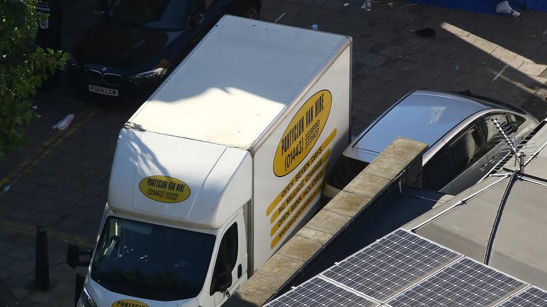 """Lieferwagen rast in Menschenmenge bei Moschee in London - """"Alles weist auf einen Terrorakt hin"""""""