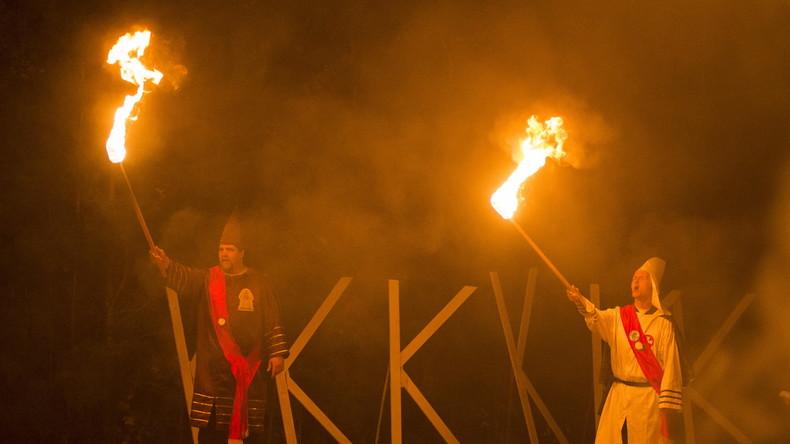 """""""Kool Kids Klub"""": KKK versucht, sich im New Yorker Hinterland neues Image zu geben"""