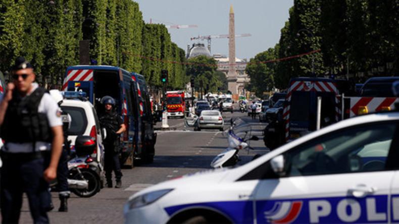 Live aus Paris: Polizeioperation nach Angriff auf Gendamerie-Wagen am Champs-Elysées
