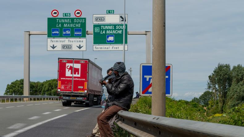 Tödlicher Unfall nach Straßen-Blockade durch Migranten bei Calais