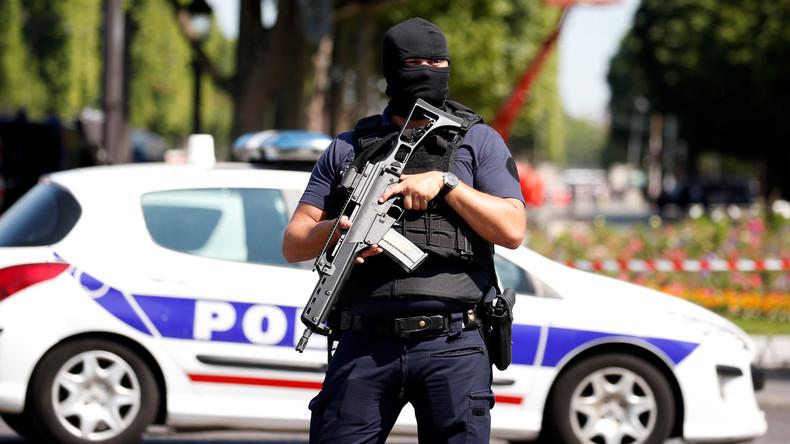 Vier Familienmitglieder des Champs-Élysées-Angreifers in Gewahrsam