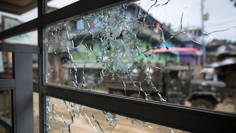 Rebellen stürmen Dörfer und Schulen in Philippinen
