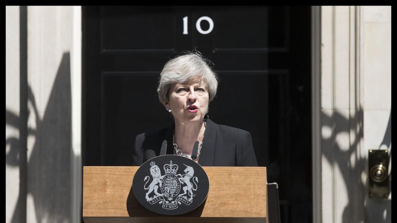 """May verspricht Regierung mit """"Demut und Entschlossenheit"""""""